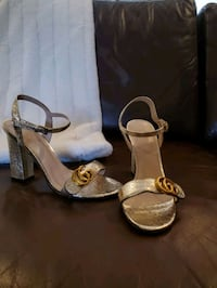 Gucci gold heel sandals - Size 8