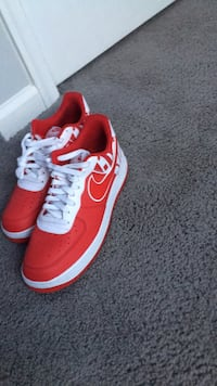 pair of red-and-white Nike sneakers Virginia Beach, 23453