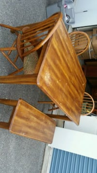 Table bench & 3 chairs. Hickory stain. Hagerstown, 21740