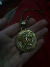 round gold-colored pendant Barrie, L4M 2Y4