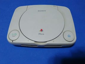 PLAY STATION ONE.