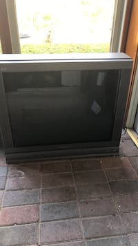black and gray CRT TV Columbia, 21044