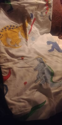 DINOSAUR Twin FITTED SHEET * IF AD'S UP, STILL AVAILABLE 509 km