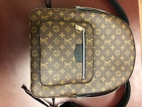 Louis Vuitton josh backpack used 1 time