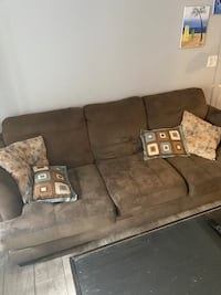 Couch pick it up today for $25