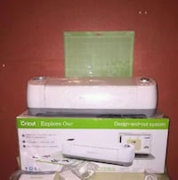 Cricut Explore with bluetooth adapter and 2 mats Taylors, 29687