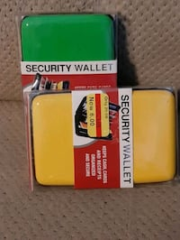 $20 Security Wallet 1 total - GREEN or YELLOW Manchester, 03103