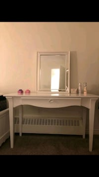 Makeup dressing table /mirror