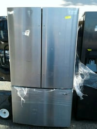 "Samsung French Door Fridge 36"" New Condition Victorville"