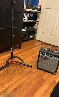 Fender Guitsr Stand and 10G AMP