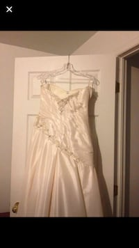 Ivory wedding dress, size 8