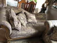 Brown and gray floral fabric loveseat Toronto, M9W 7E4