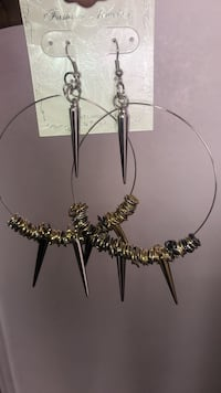 Silver and black necklace and earrings North Las Vegas, 89031