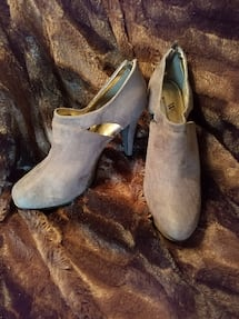 New! Size 7.5 Med Gray Worthington Stiletto Heel