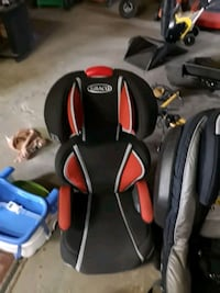 black and red car seat carrier Edmonton, T6C 0X9