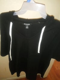 Size 2x womens hooded tee new never worn