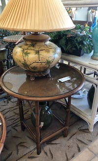 End table round Cape Coral, 33904