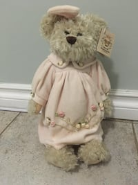 Megan #1147 Bearington Collector Bear and stand Edmonton, T6H
