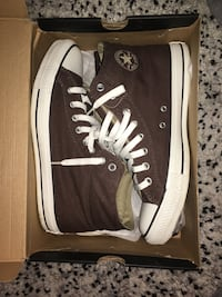 Men chuck Taylor allstar high tops size 10 Burnaby, V3J 0A4