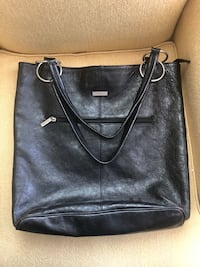 Leather bag - EUC  Hamilton, L8M