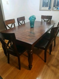 Dinning room table and 6 chairs solid wood. Only 8 months old. Vaughan, L4L 1J9