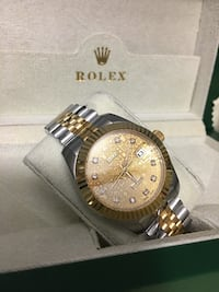 round gold-colored chronograph watch with link bracelet Tampa, 33634