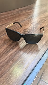 Versace shades - comes with case  Mississauga, L5L 1Z5