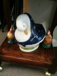 Big duck and two rooster knick knacks Toms River, 08755