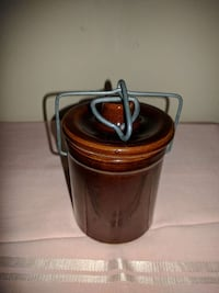 Antique small brown crock Pearland, 77581