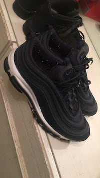 pair of black Nike Air Max shoes Lauderdale Lakes, 33319