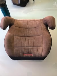 brown and black booster seat Gatineau, J8T 2Y8
