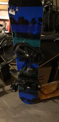 black and blue snowboard fits ages 8-12 Calgary, T3L 1Z8