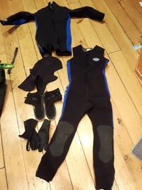black and blue spring wet suit