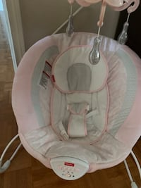 Baby seat Bouncer with chandelier Vaughan, L4J 4P8