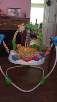 baby's white and green jumperoo Chelmsford, 01824