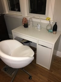IKEA desk and chair London, N6A 2C2