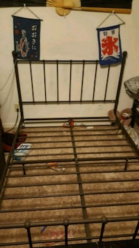Wrought iron bed frame (full)