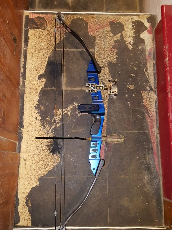 51eed0ef0cb7 Used PSE Infinity XLD-900 right handed compound bow for sale in Ambler -  letgo