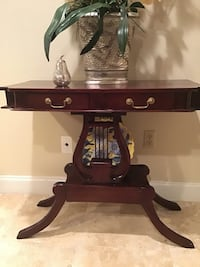 ACCENT TABLE/ SIDE TABLE  Baton Rouge, 70815