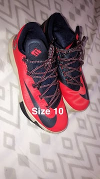 KD's size 10 Mens Bloomingdale, 31302