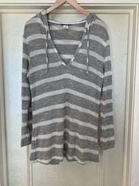 LA BLANCA STRIPED BEACH COVER UP WITH HOOD (BRAND NEW/ NEVER WORN) SIZE medium- regular price $85 Calgary, T3H 3C7