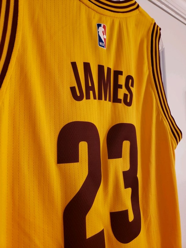 LeBron James Swingman Cavs Jersey 464b02e4-2aac-468f-9e59-6cc8b240de25