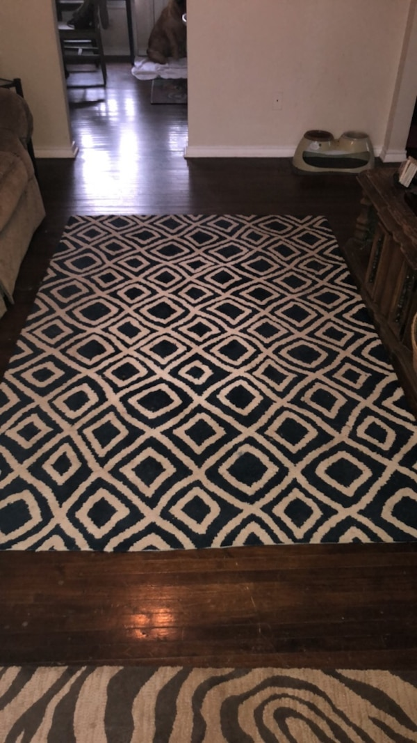 Used White And Black Area Rug For Sale In Grapevine Letgo