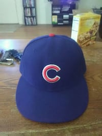 Chicago cubs fitted hat in good condition  Las Cruces, 88001
