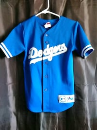 Dodgers jersey youth med. Barstow, 92311