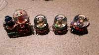 Santa and friens train set  i have 2 sets 10 each  come in box  Vaughan, L4K 5W4