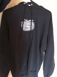 black and white pullover hoodie Central Okanagan, V1Z 3Z3
