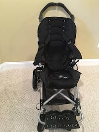 baby's black stroller Chantilly, 20152