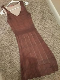 brown sleeveless short dress