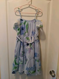 Girls off shoulder spring dress Coquitlam, V3J 2X9